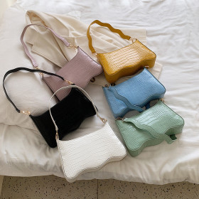 Versatile fashion armpit bag wave carrying messenger bag