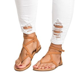 Women's sandals with small strap and flat sole