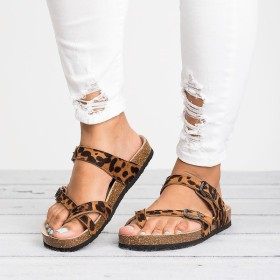 Women's sandals with buckle and toe