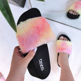 Lady's sandal with thick bottom and fur