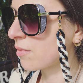 Black and white acrylic eyeglasses chain
