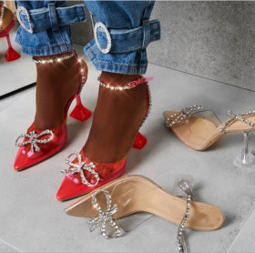 High heeled sandals with pointed transparent Rhinestone glass