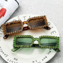 Luxury Sunglasses with small box and diamond