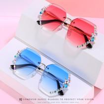 Fashionable frameless Sunglasses with diamond polygonal Sunglasses