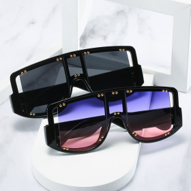 Big frame, conjoined, colorful, square, sunglasses