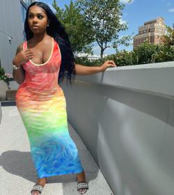 Moire gradient, positioning printing, sleeveless, dress