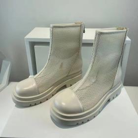 Short boots, flat bottomed, net boots