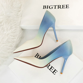 High heeled shoes, shallow mouth, pointed head, satin, gradient, color matching, high-heeled single shoes