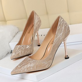 High heels, shallow mouth, pointed head, single shoes