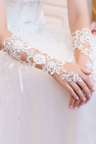 Off White Diamond Detail Hollow-out Lace Gloves