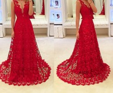 Red Lace Sleeveless Wedding Dress