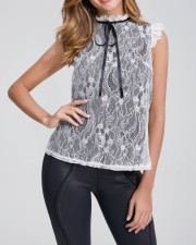 Overall chic mouwloos shirt met kant