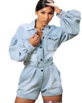 Mamelucos de mezclilla azules con cinturón