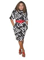 Midi-jurk met witte en zwarte print voor de zomer