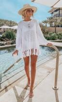 Vestido de playa de crochet con borlas blancas