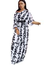 Robe longue imprimée blanche et noire