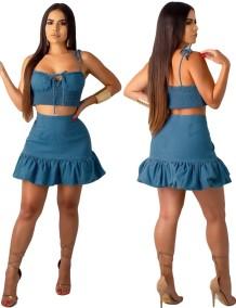 Conjunto de falda y top corto con tirantes de mezclilla azul