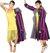 Casaco longo africano com listras largas e mangas