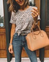 Chemise léopard à col rond d'été