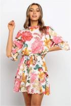 Vestido estampado de flores de verano con cinturón