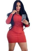 Rotes sexy langärmliges Minikleid mit Gürtel