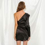 Черное элегантное вечернее платье с запахом