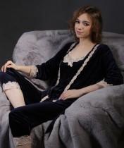 Elegantes dreiteiliges Pyjama-Hosen-Set aus Samt