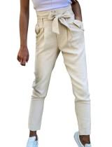 Lässige, einfarbige Hose mit hoher Taille und Gürtel