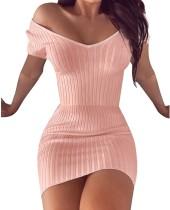 Mini vestido de punto con cuello en V de verano