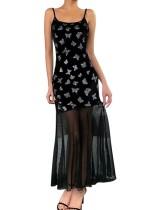 Vestido de noche de sirena con tiras negras y estampado de mariposa
