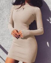 Sexy einfarbiges, figurbetontes Kleid mit vollen Ärmeln