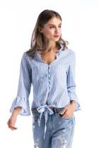Chemise à rayures d'été avec noeuds larges