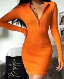 Sexy gebreide mini-jurk met rits en mouwen