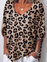 Casual losse blouse met V-hals en luipaardprint