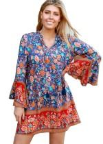 Летнее короткое платье с цветочным принтом