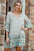 Vestido corto de verano con estampado floral y una línea