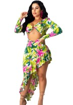 Vestido floral irregular con mangas recortadas sexy