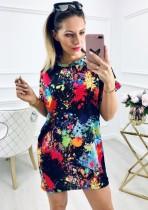 夏のスタイリッシュなカラフルなOネックシャツドレス