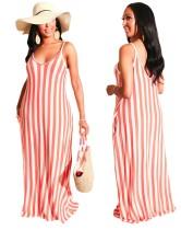 Lässiges Kleid mit gestreiften Trägern