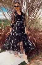 Vestido de malla larga con estampado negro de verano