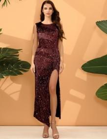 Прямое вечернее платье без рукавов с блестками