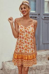 Vestido floral con tirantes y una línea de verano