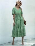 Sommerliches Polka-langes Kleid mit V-Ausschnitt
