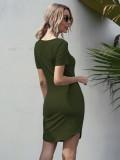 Sommergrünes enges Hemdkleid