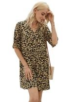 Vestido casual de leopardo con cuello en V y una línea