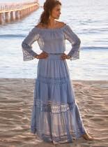 Vestido largo de verano azul con hombros descubiertos