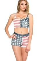 Conjunto de top y pantalones cortos con estampado de bandera de verano