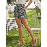 Pantalones cortos de volantes blancos y negros de verano
