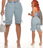 Hellblaue Jeans-Shorts mit hoher Taille