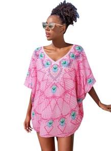 Afrikanisches Strandkleid mit Sommer-Retro-Druck